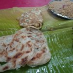 Border parotta and pepper chicken