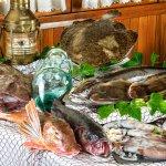 Marisco y pescado fresco llegado cada día desde lospuertos de Galicia y Tarragona