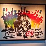 Affiche syndicale exposée au musée
