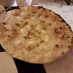 Pizzería Eric: Pizza con nueces, miel, mozarella....