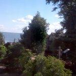 Вдалеке - озеро Неро