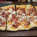 Pizza de jamon jabugo