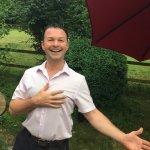 Wilfried - seit Jahren der perfekte Gastgeber im Carlton Restaurant Zürich! Ich fühle mich dort