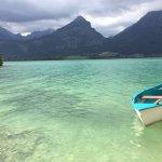 Smaradgrünes Wasser wie in der Karibik