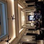 Foto de The Strand Hotel