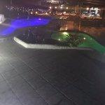 piscina hotel la Colina en la noche