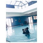 Hotel that have indoor swimming pool ... its cold .. syiookkkk