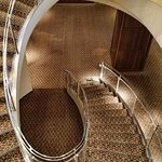 Oblong spiral stairs