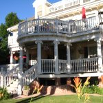 Big Yellow Inn Bed & Breakfast Photo