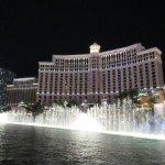 Bellagio fountain show at night