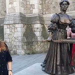 Tour guide Sarah at Molly Malone