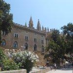 Ubicado cerca de la catedral de Palma a 5-10 minutos andando
