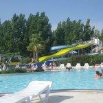 """Une partie de la piscine du camping ' la Carabasse"""""""