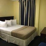 Foto de Airport Suites Hotel
