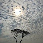SSM'de Terasda yoga yaparken sabah gökyüzü