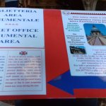 Cartel con los horarios y precio de la visita a los techos de la catedral