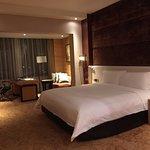 Standard hotel room/suite