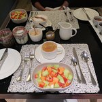 Breakfast starter- fruits, granola and youghurt