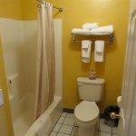 Photo de America's Best Inns & Suites