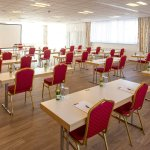 Einer von 20 Seminarräumen. Die Räumlichkeiten sind 25 - 715 m² groß, alle mit Parkettboden.