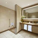 Twin Accessible Guest Room Bathroom