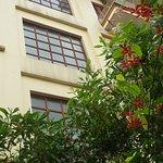 Địa chỉ 190 Bình Minh, sát bãi biễn Lan Châu, là bãi tắm đẹp nhất Cửa Lò.