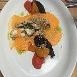 Zanderbackerl mit Gemüseschaum und schwarzem Amaranth