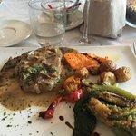 I got the steak and veggies. It was delizioso
