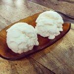 ภาพถ่ายของ นัฐพร ไอศกรีมกะทิสด