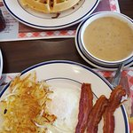 Chicken&Waffles, Farmer's Choice Breakfast, Country Sausage Gravy