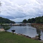 Photo de Rumbling Bald Resort on Lake Lure