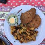 Das Schnitzel mit Frankfurter grüne Soße