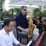 Live-Musik auf der Sonnen-Terrasse des Restaurant C-five