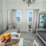 Photo de Adrakos Apartments