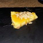 cheese cake con ricotta, pinoli e miele