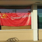 Now Sunset Lodge