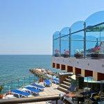 Bijou Hotel & Restaurant Photo