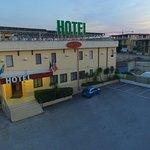 Photo de Genius Hotel