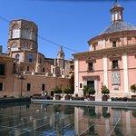 Basilica de la Virgen de los Desamparados Foto
