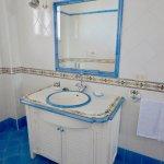 Melagrano One Bathroom