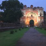 purana-qila-lit-at-night_large.jpg