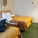 On clifton hill . 2 queen bed room