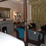 The Charlecote Pheasant Hotel Photo