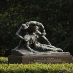 """Statue of the """"Angle of Marye's heights"""""""