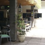 swimming pool & restaurant