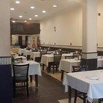 Interior do restaurante. Espaço com capacidade para 100 pessoas .