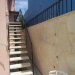 Escalera de acceso al Apartamento II