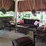 Fully furnished porch