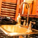 Photo de Black Swan Inn Luxurious Theme Suites