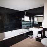 Bath rooms Room 7